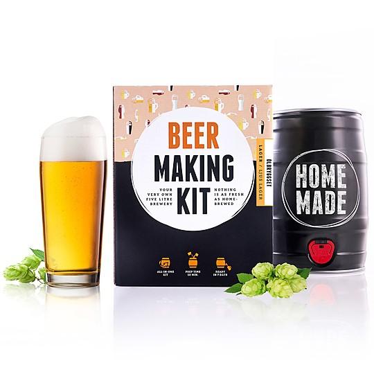 Prepara tu propia cerveza en un barril