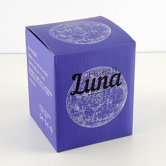 La caja es un diseño de Muak Studio