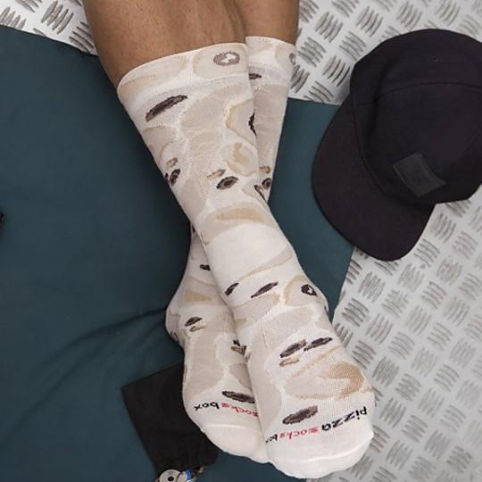 En todos hay un par con calcetines masa de pizza
