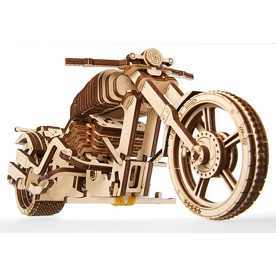 Fabricada en madera de abedul