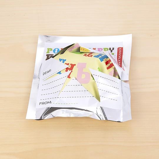El sobre está impreso para personalizar con un mensaje