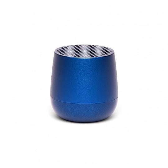 El modelo en azul