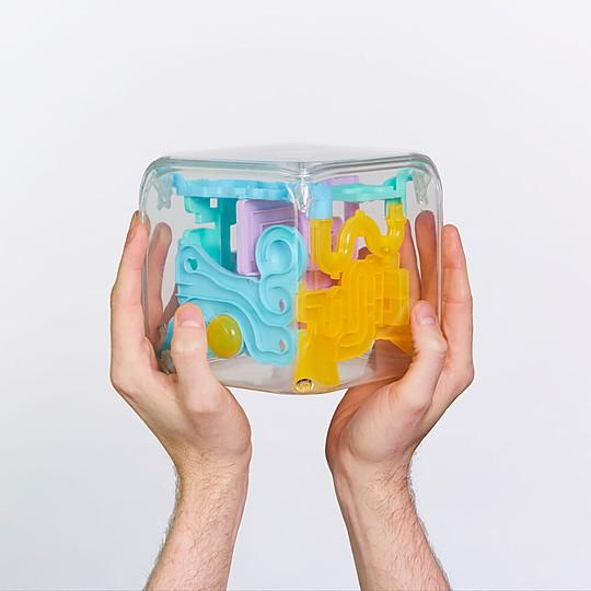 El cubo laberinto más complejo del mundo