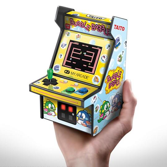 ¡Juega a Bubble Bobble en esta mini consola!