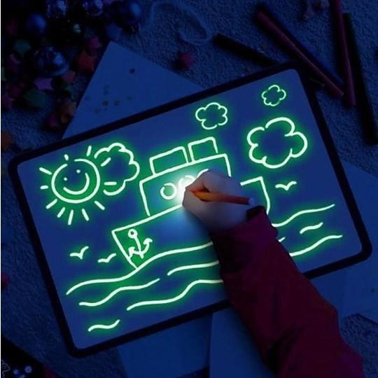 PintaFluo, la pizarra para dibujar con luz