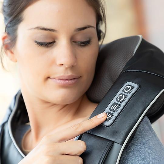 Con tres intensidades de masaje y efecto calor