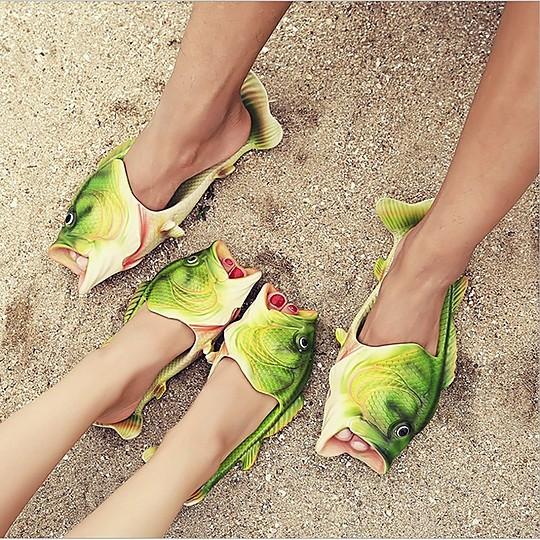 Sandalias en forma de pez