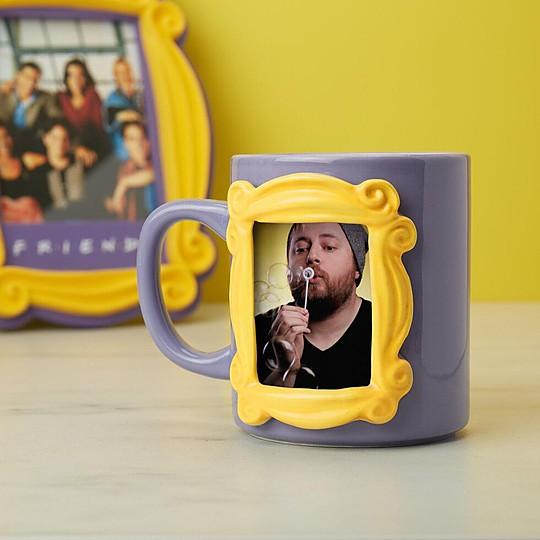 La taza de Friends con marco para poner fotos
