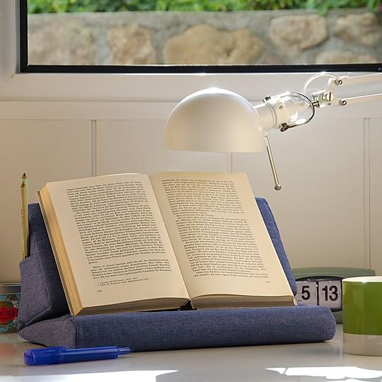 Se puede usar como atril para libros