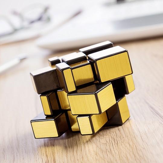 Llas piezas se diferencian por su tamaño y forma