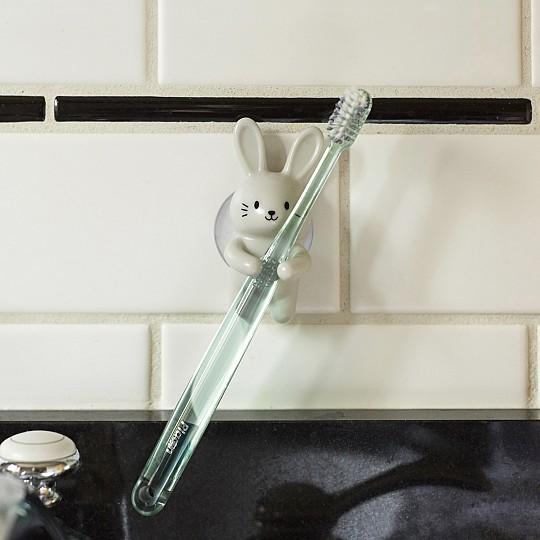 Un soporte para el cepillo de dientes muy original