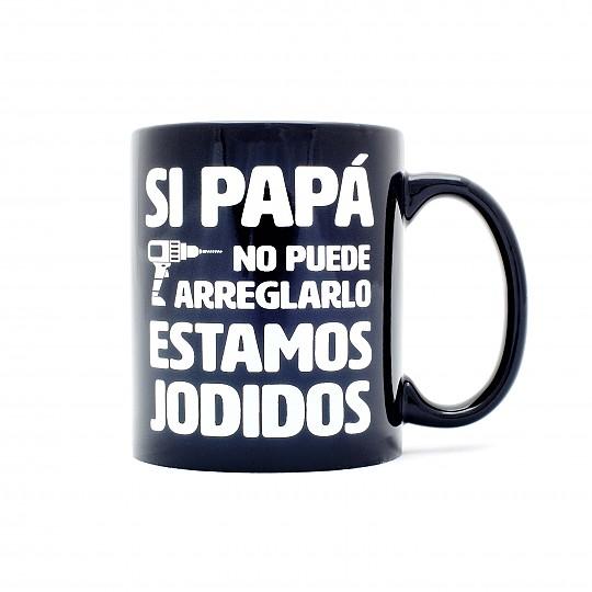El mensaje de la taza es: Gracias papá por ayudarnos con todo