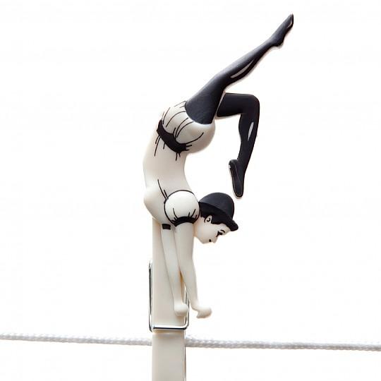 Y el contorsionista