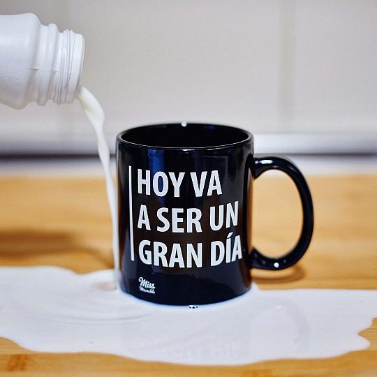 Una taza con mensaje positivo...¿o no?