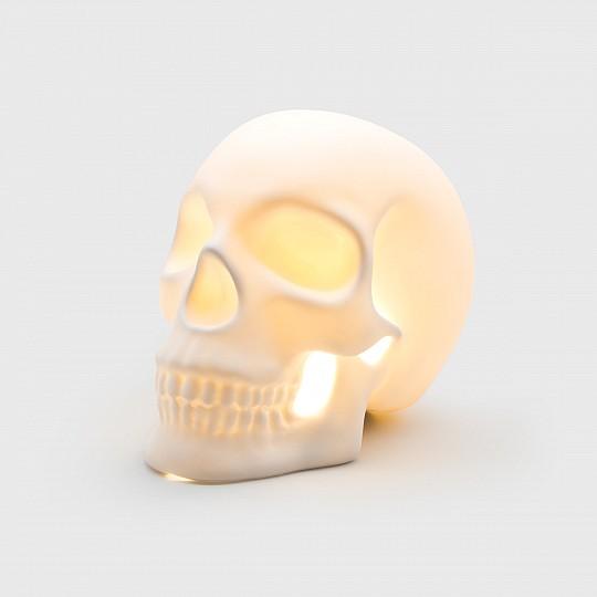 Está hecha a mano con cerámica 100% natural