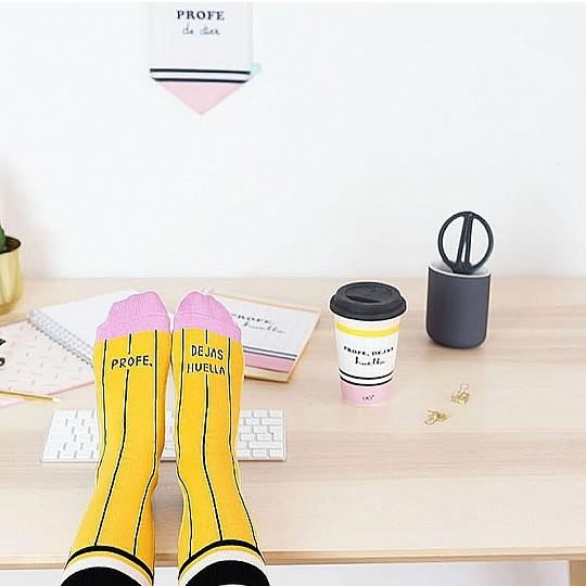 Calcetines con forma de lápiz para profes