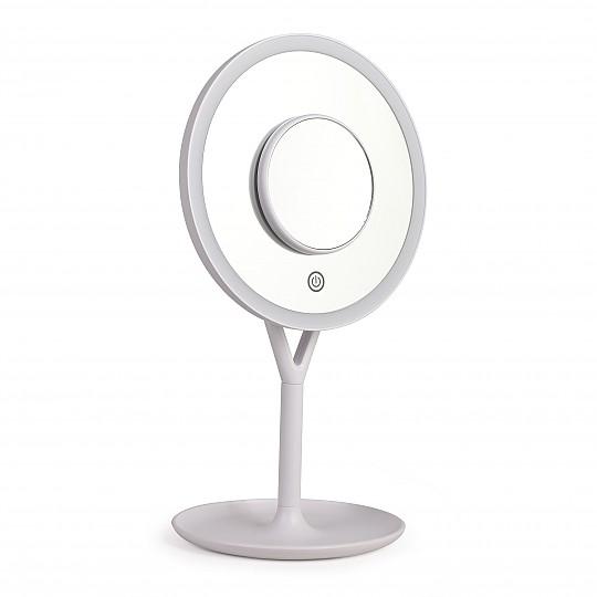 Un espejo perfecto para maquillarse con precisión