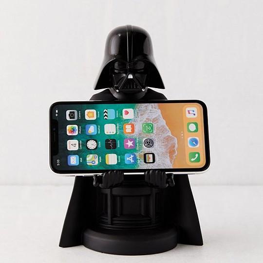 Darth Vader sujetará tu smartphone con los brazos
