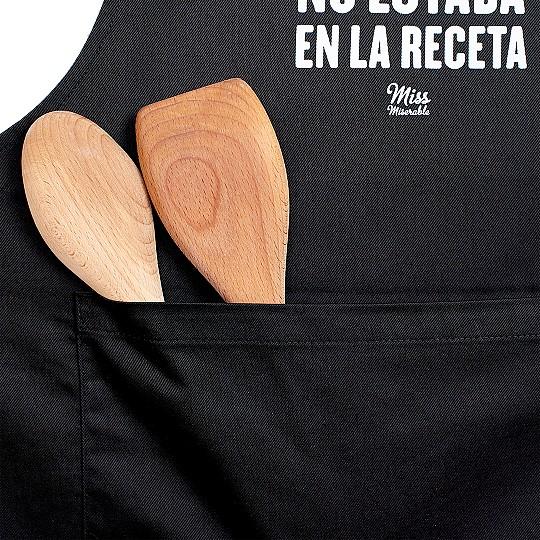 Con bolsillo para que guardes tus utensilios de cocina