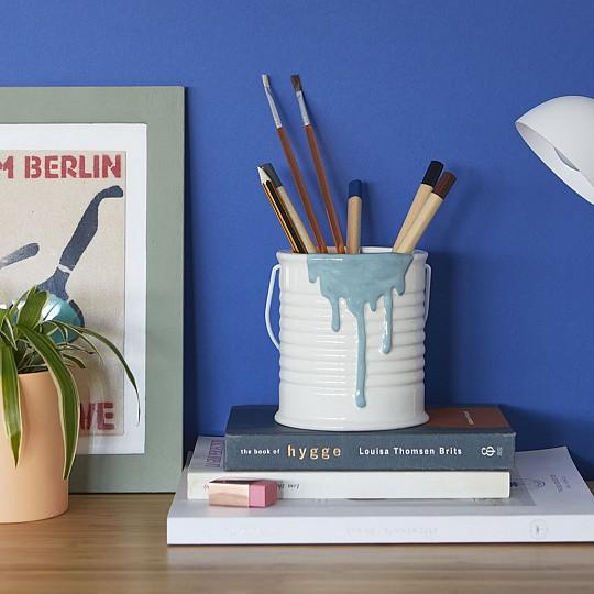 Portalápices de escritorio bote de pintura
