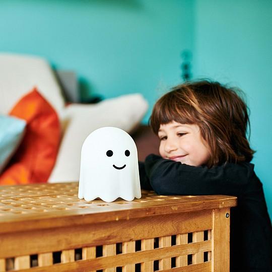 Bú es un fantasma bueno que te acompañará para que no tengas miedo