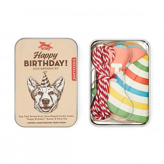 Incluye todo lo necesario para celebrar un cumpleaños perruno