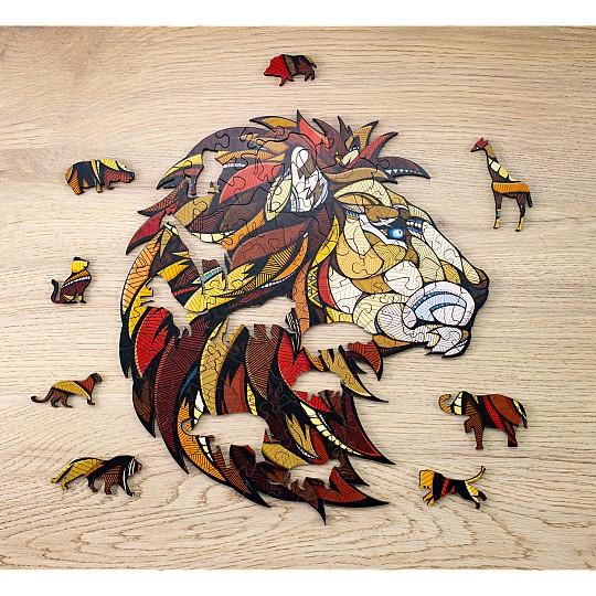 El puzzle de león tiene 100 piezas en forma de animales de safari