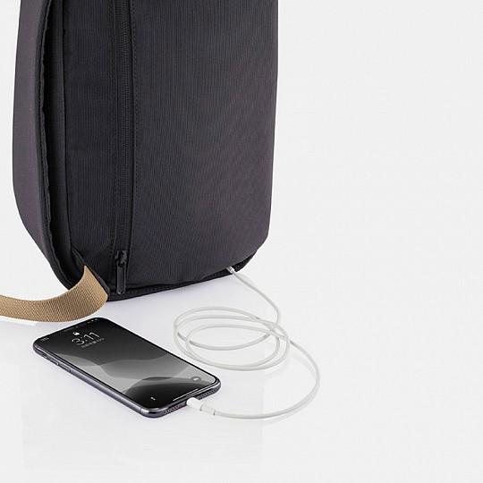 Tiene cargador USB para que cargues la batería de tu tablet o móvil