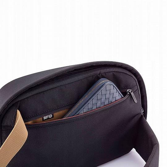 Con bolsillos ocultos y protección RFID