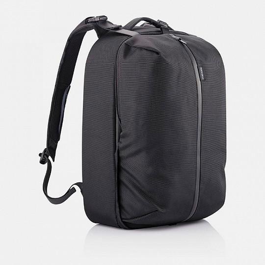 Se convierte en una bolsa con capacidad para 24 litros