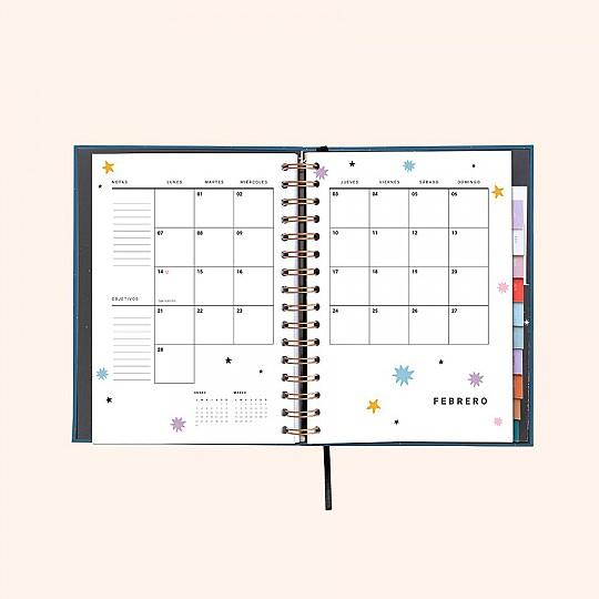Con planificadores mensuales para que organices tu mes de un vistazo