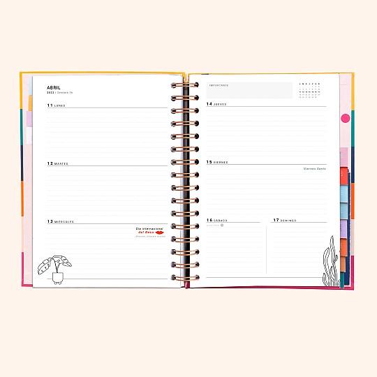 Con planificador semanal, para que apuntes día a día las tareas concretas