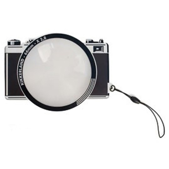 Tiene forma de cámara de 66mm