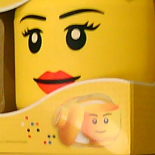La Cabeza de Lego capturada por esta pequeña cámara