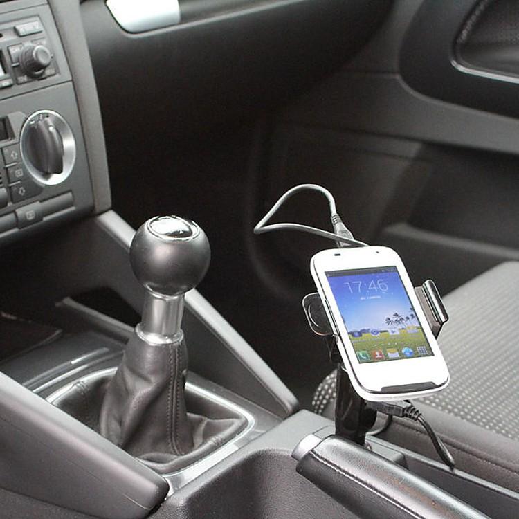 Soporte cargador de smartphones para el coche clipsonic for Accesorios para smartphone
