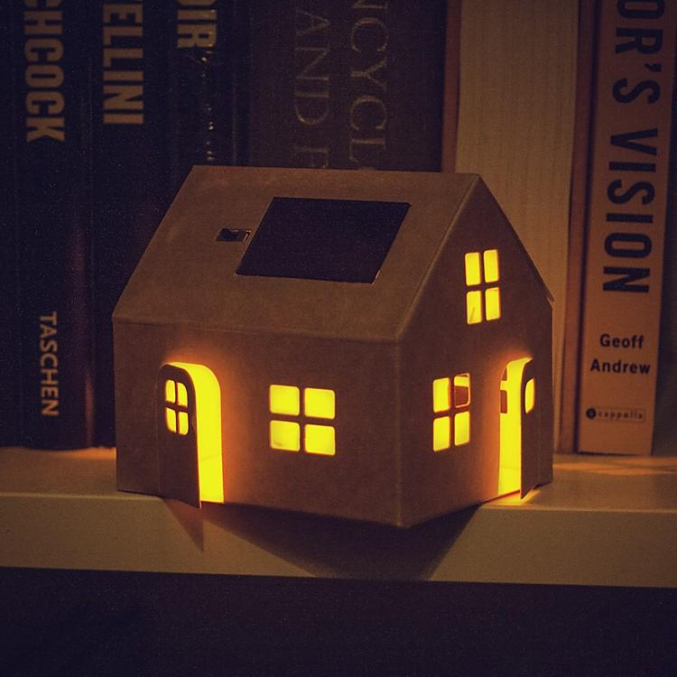 L mpara solar de cart n casagami - Como hacer una casa de carton pequena ...