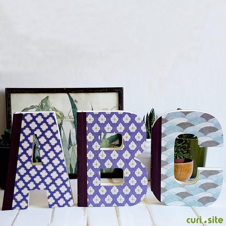 Libros con forma de letras alphabooks - Formas de letras para decorar ...