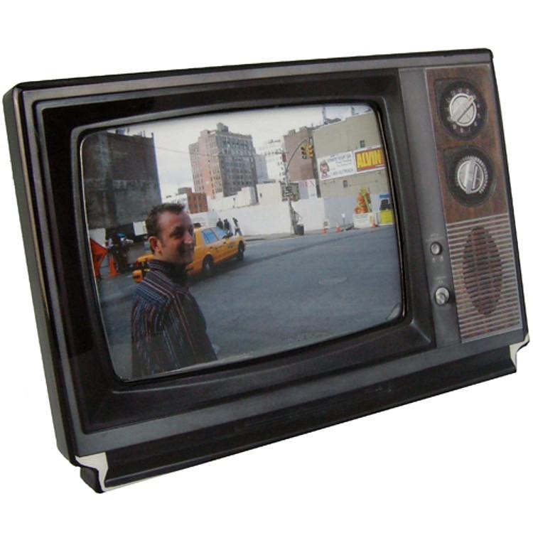 Marco de Fotos con Forma de Televisión Retro