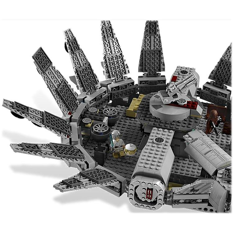 Nave espacial halc n milenario de lego for Interior halcon milenario